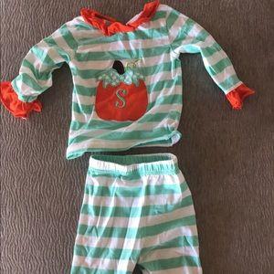 "d96e59c2b8 Smocked polka dot pumpkin PJs girls 12m ""S"""